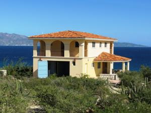 Large Beachfront Strip, CASA TRANQUILO, La Paz,