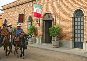 Historic Inn in the heart of Todos Santos