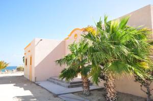 Las Tinas / Able Subdivison, Casa Ronald, East Cape,