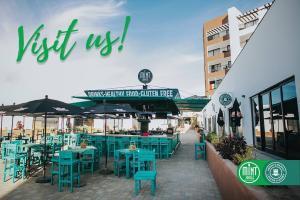 Plaza Pioneros, Mint Jungle & Amber