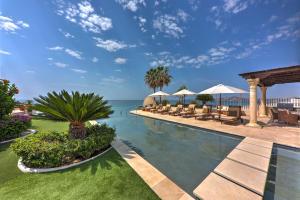 Bella Vista, Beach Front Luxury Villa, San Jose Corridor,