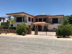 4 Siete Leguas, Casa Milagro, Cabo Corridor,
