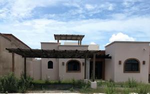 Casa Bahia in Bahia Residencial in downtown Los Barriles