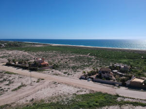 1 acre close to Pacific on camino Las Playitas