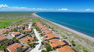 Las Casas at Paraiso del Mar