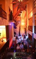 Leona Vicario, Gringo Gazette Plaza, Cabo San Lucas,