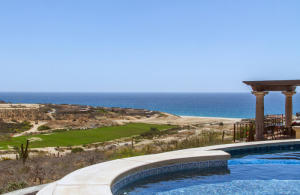 Jack Nicklaus Fairway and white water views, plus sandy beach within walking distance!