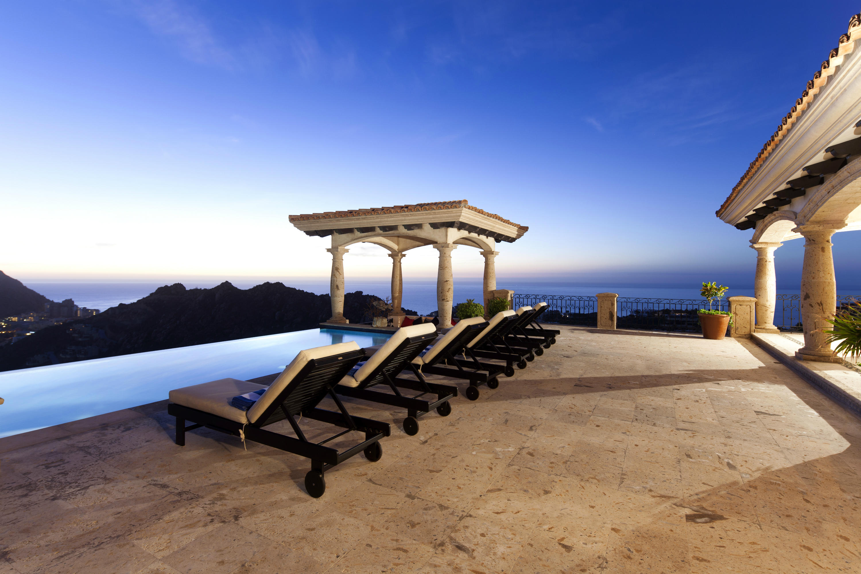 Cabo San Lucas, 6 Bedrooms Bedrooms, ,7 BathroomsBathrooms,House,For Sale,Callejon del Amigo,18-2618