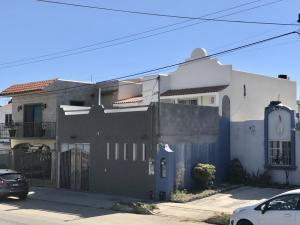 1.- Casa Los Pinos # 198
