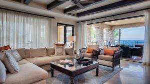 Gomez Farias, Hacienda 1201, Cabo San Lucas,