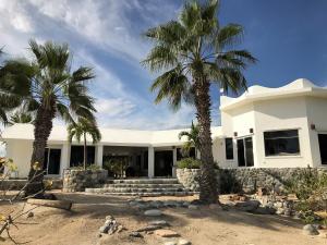 Camino Al El Cardonal, Casa TNT Rancho Pescadero, East Cape,