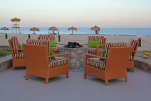 FIREPIT, INCREDIBLE INTIMATE BEACHFRONT RESORT , LOCATION, LOCATION ,LOCATION