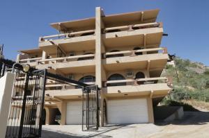 Rare find! Garage Included, Vista Panorama, Cabo San Lucas,