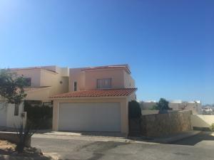 L13 M13 Privanzas, Casa Fisher, Cabo Corridor,