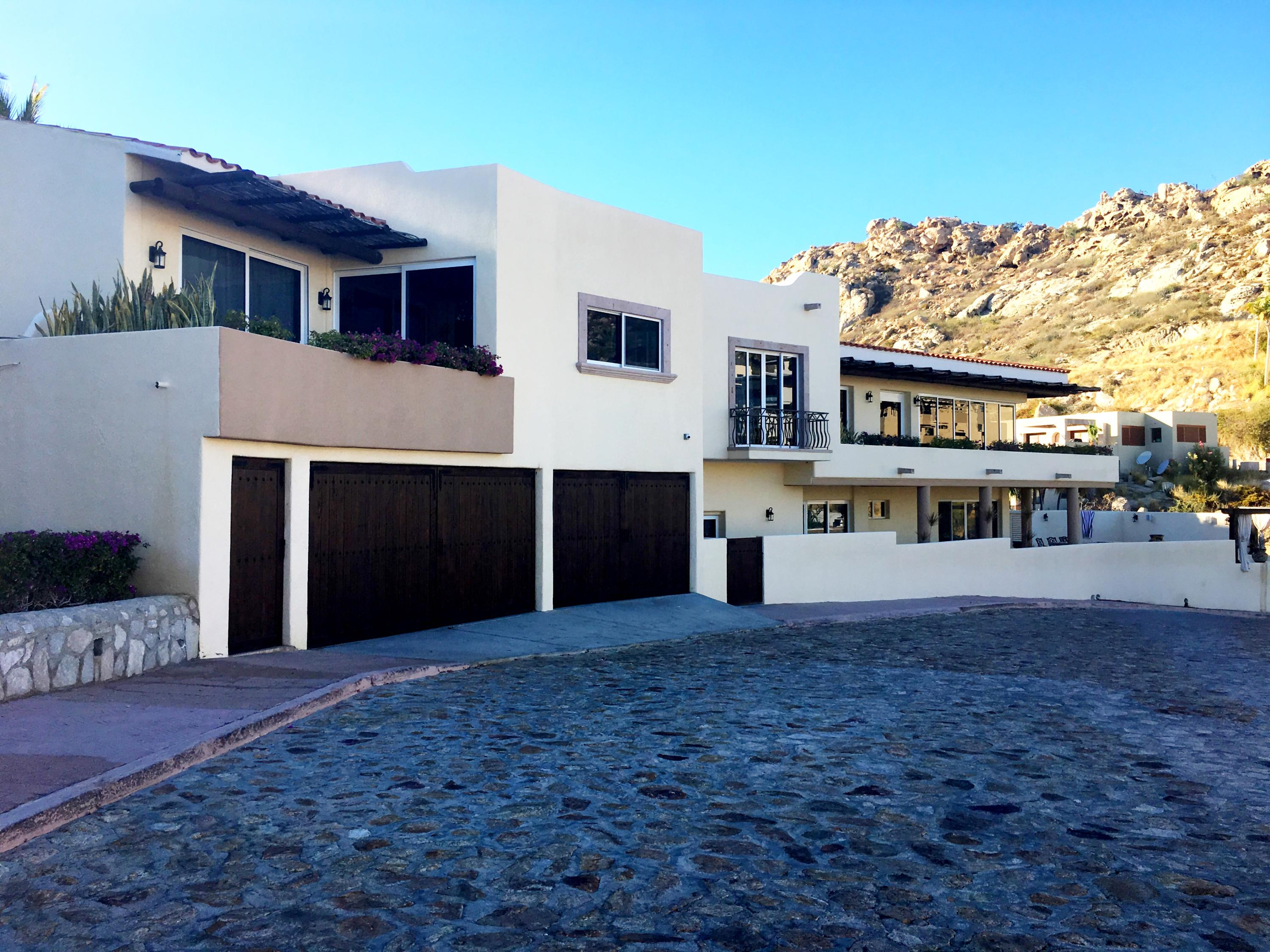 Cabo San Lucas, 6 Bedrooms Bedrooms, ,5 BathroomsBathrooms,House,For Sale,Camino del Mar,19-261