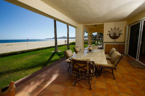 BEACHFRONT VILLA -A1-