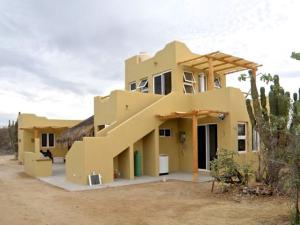 Baja Martires, Casa Lobo, East Cape,