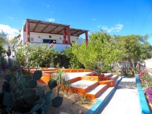 Navegantes y Gaviota, Casa Jardin, East Cape,