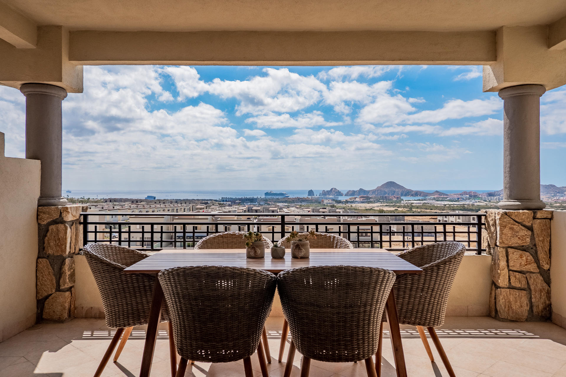 Cabo Corridor, 3 Bedrooms Bedrooms, ,2 BathroomsBathrooms,Condo,For Sale,Condo Cabo Del Mar,19-492