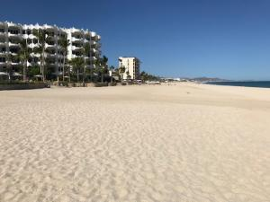 Carretera Transpeninsular, Prime Beachfront Developer Lot, San Jose del Cabo,