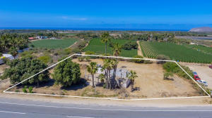 1.- Pescadero Commercial Highway Lot # 8