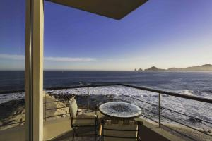 Stunning Arch views throughout