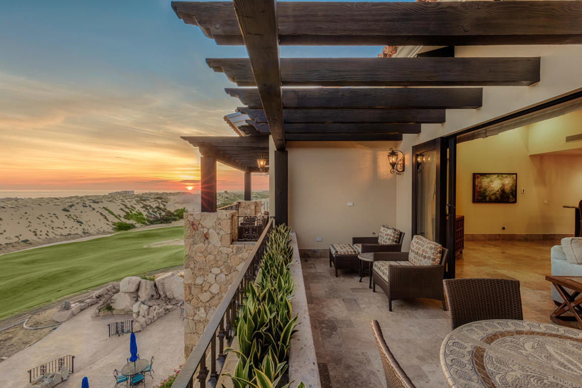 Pacifico Penthouse-1