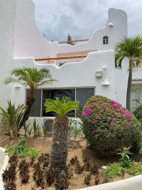 Cabo Corridor, 2 Bedrooms Bedrooms, ,2 BathroomsBathrooms,Condo,For Sale,Crispin Cecena,19-1885
