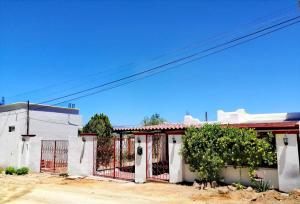 SALVATIERRA LOTE 9, MZA 134, CASA YOLANDA, Cabo San Lucas,
