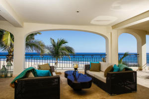 BEACHFRONT Luxury & comfort