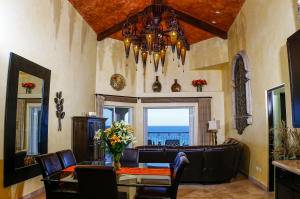Grandioso great room w/22ft ceiling. Custom chandelier, views are to the ocean