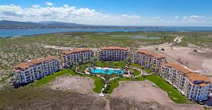 Avenida Palmeras, Paraiso Del Mar Condominium, La Paz,