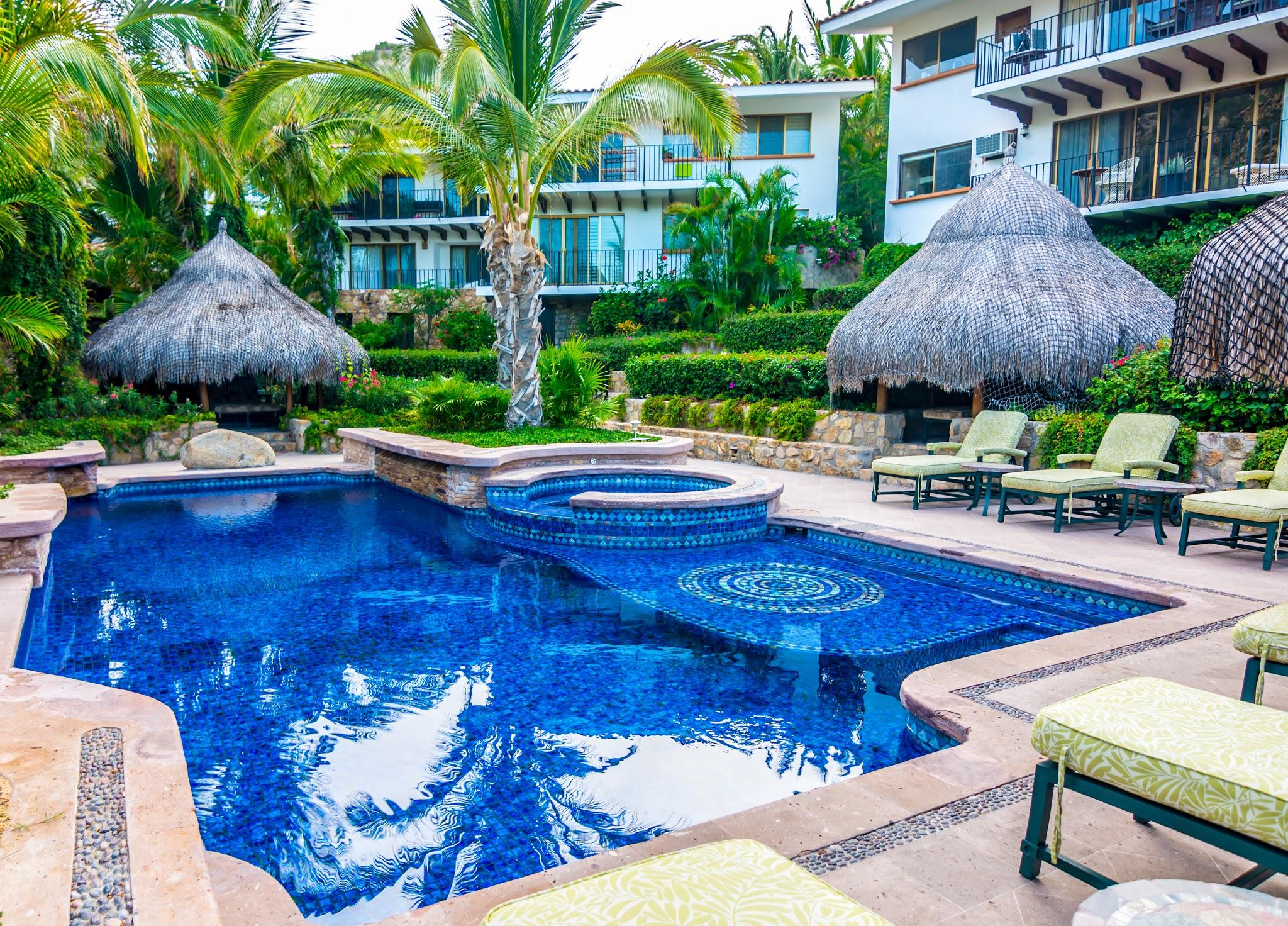 Cabo San Lucas, 2 Bedrooms Bedrooms, 4 Rooms Rooms,2 BathroomsBathrooms,Condo,For Sale,Plaza de las Flores,19-2755