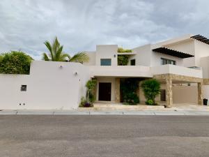 Privada de acceso, House Puerta Azul, La Paz,