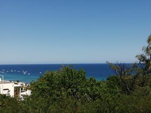 E Ogden, Mercedes, East Cape,