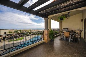 VIEWS 2 CAR GARAGE-SELLER FINANCE, Ventanas Phase 2 Penthouse, Cabo Corridor,