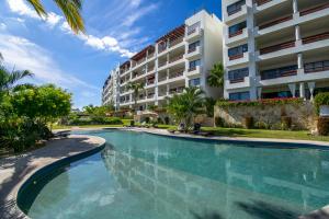 3 swimming pools - all salt water