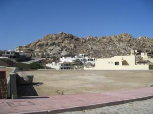 L 4/24 Valley of the Blue Moon, Pedregal, Cabo San Lucas,
