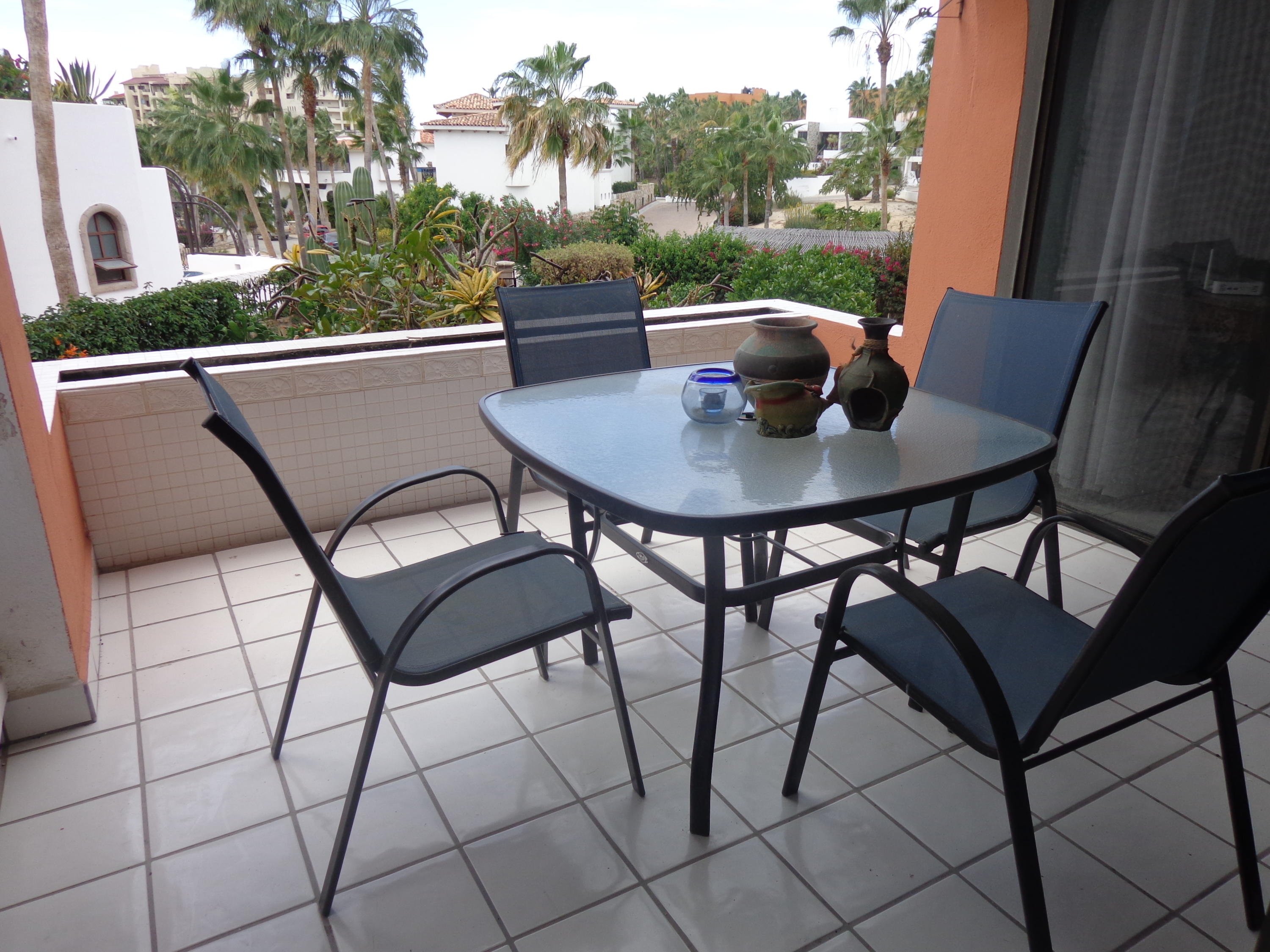 Cabo Corridor, 2 Bedrooms Bedrooms, ,2 BathroomsBathrooms,Condo,For Sale,Plaza Calafia,20-910
