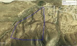 The lot boundaries with Highway 1 visible running along the top and the NW end of the community of los Barriles on the right hand side.