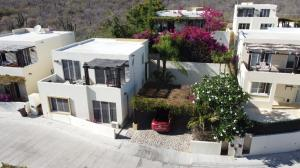 Calle Las Sirenas, The blondy House!, Cabo Corridor,