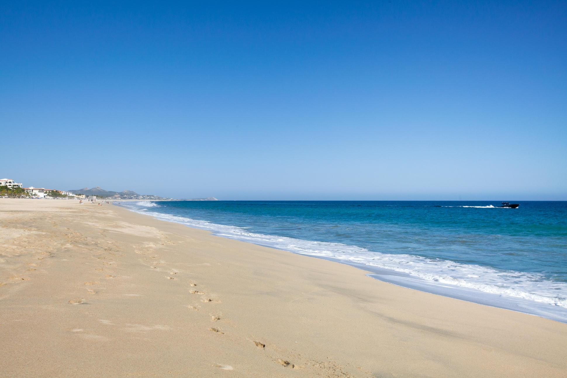 A3 Las Mananitas Beach Condo-3
