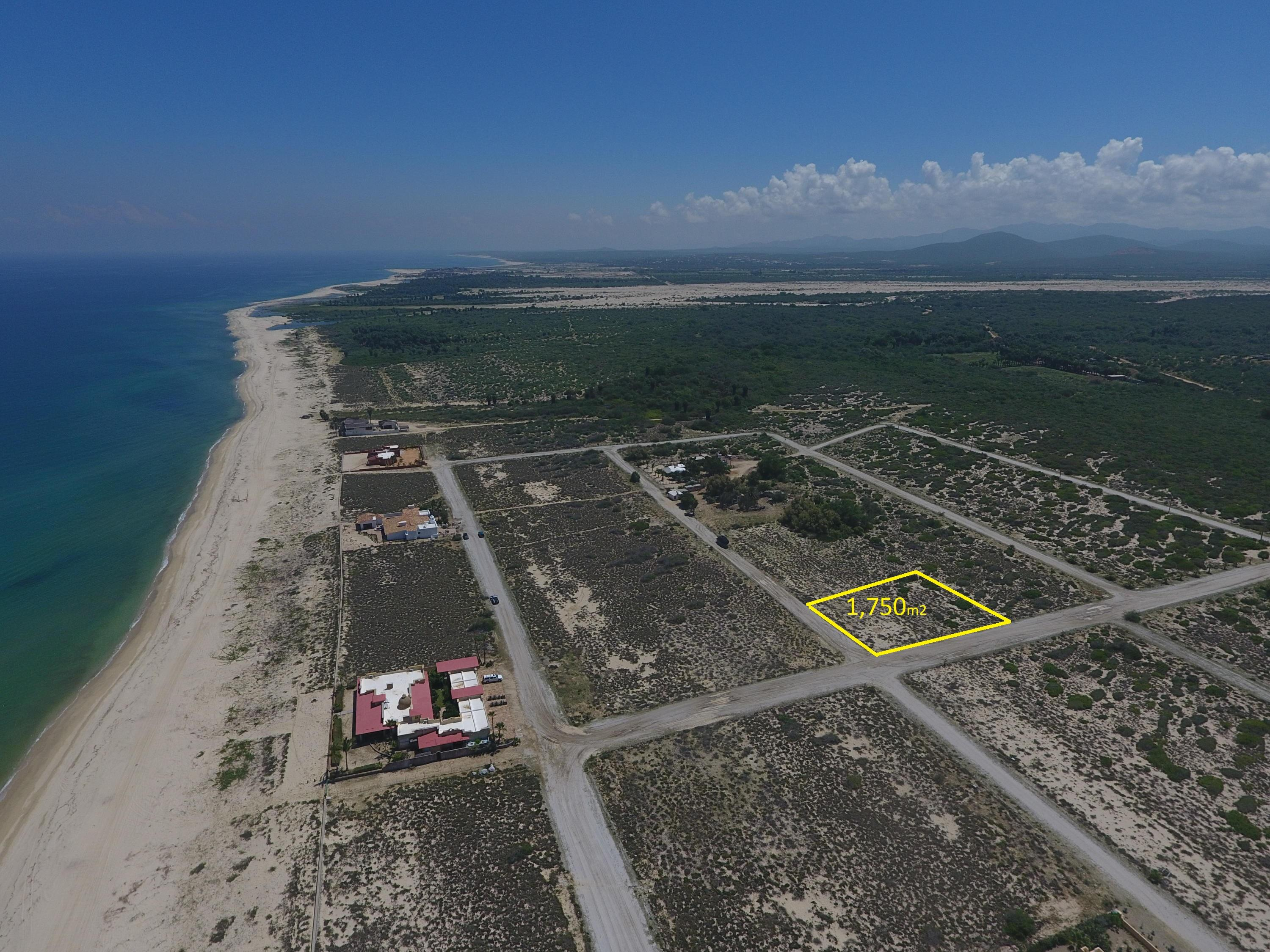 With one of the most spectacular Ocean view located on a very quiet gated community with running water and electricity it makes it one of a kind pieces of land.Important to mention that is two blocks away from a swimmable beach.