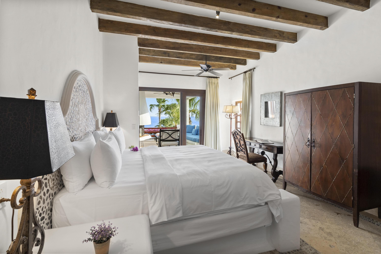 Bedroom (2 of 2)
