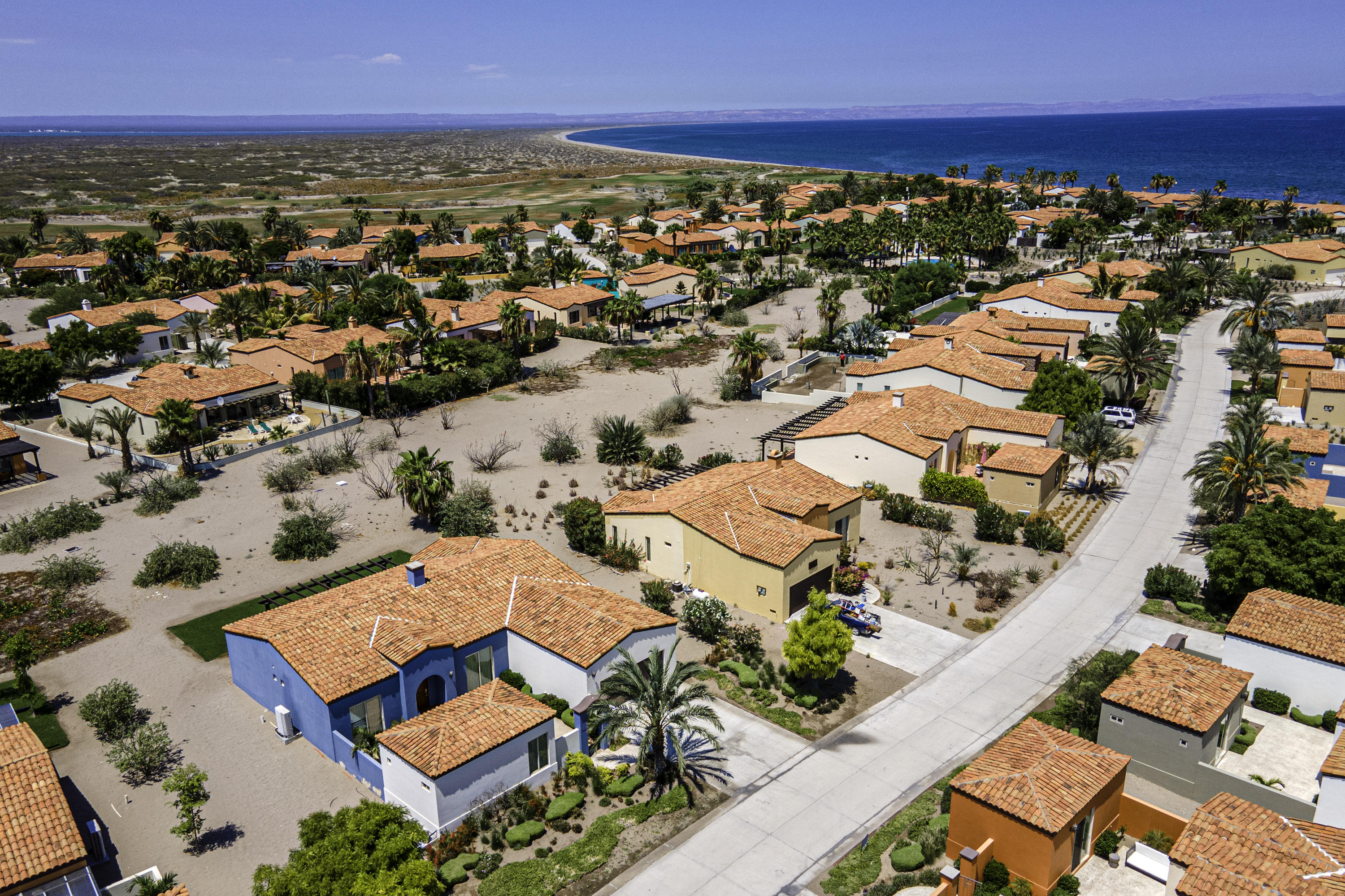 casas close to the beach