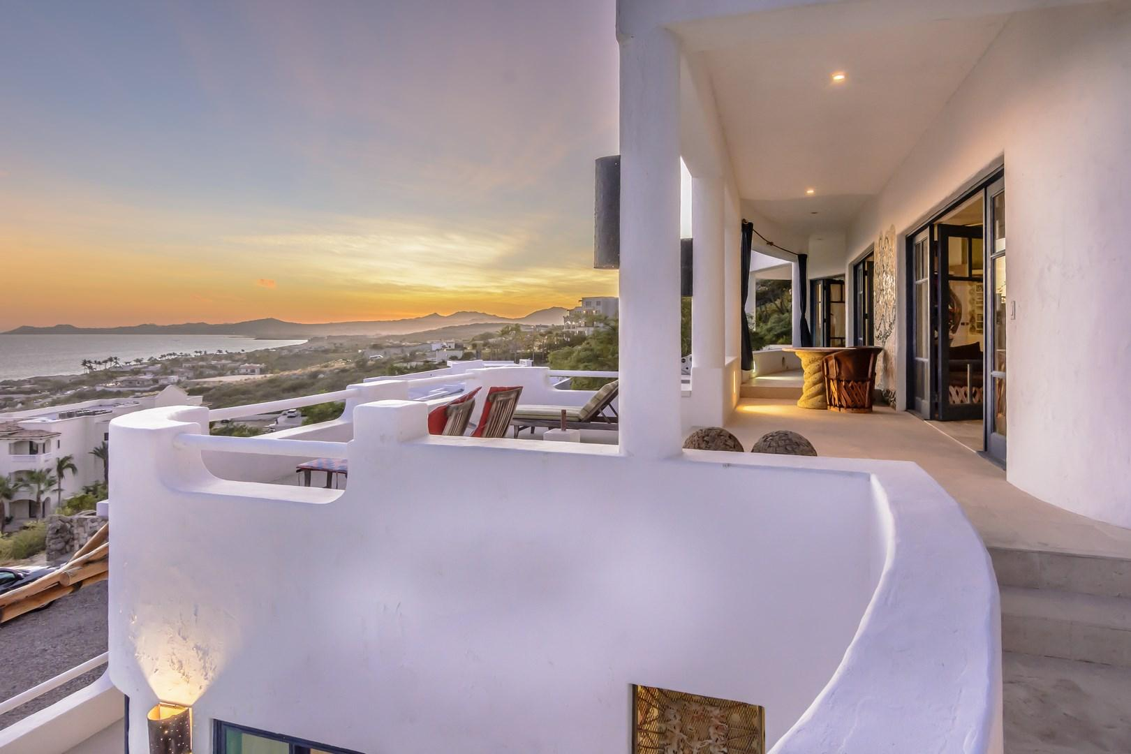 Casa Laguna Linda terrace