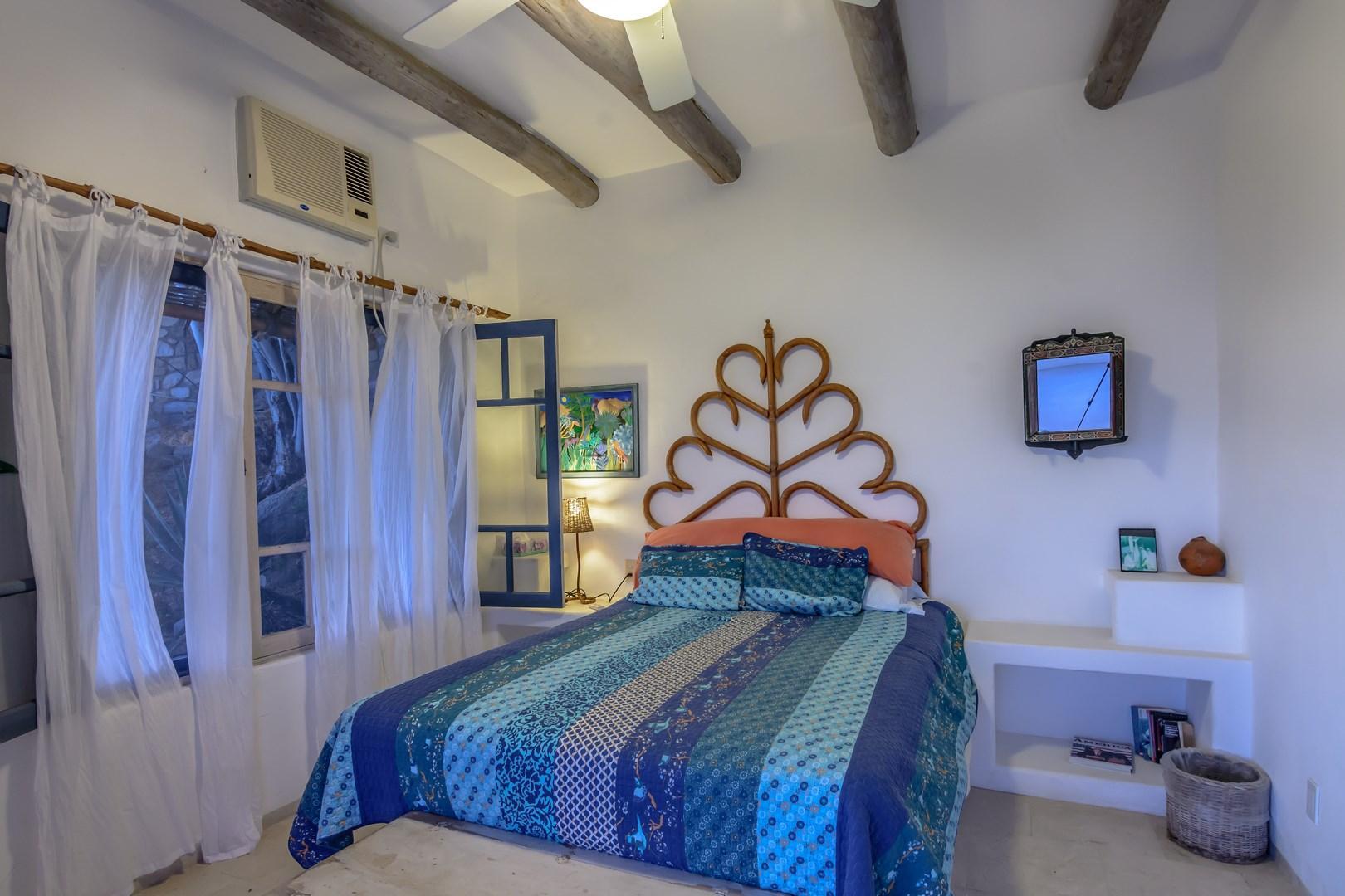 Guest bedroom1a
