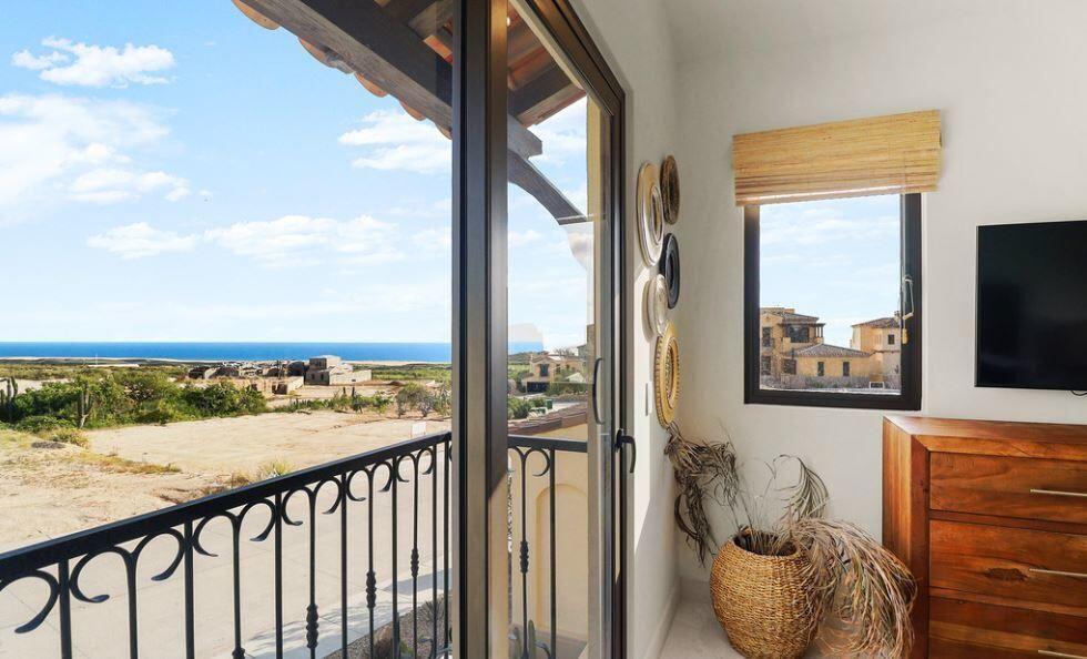 guest bedroom terrace 01