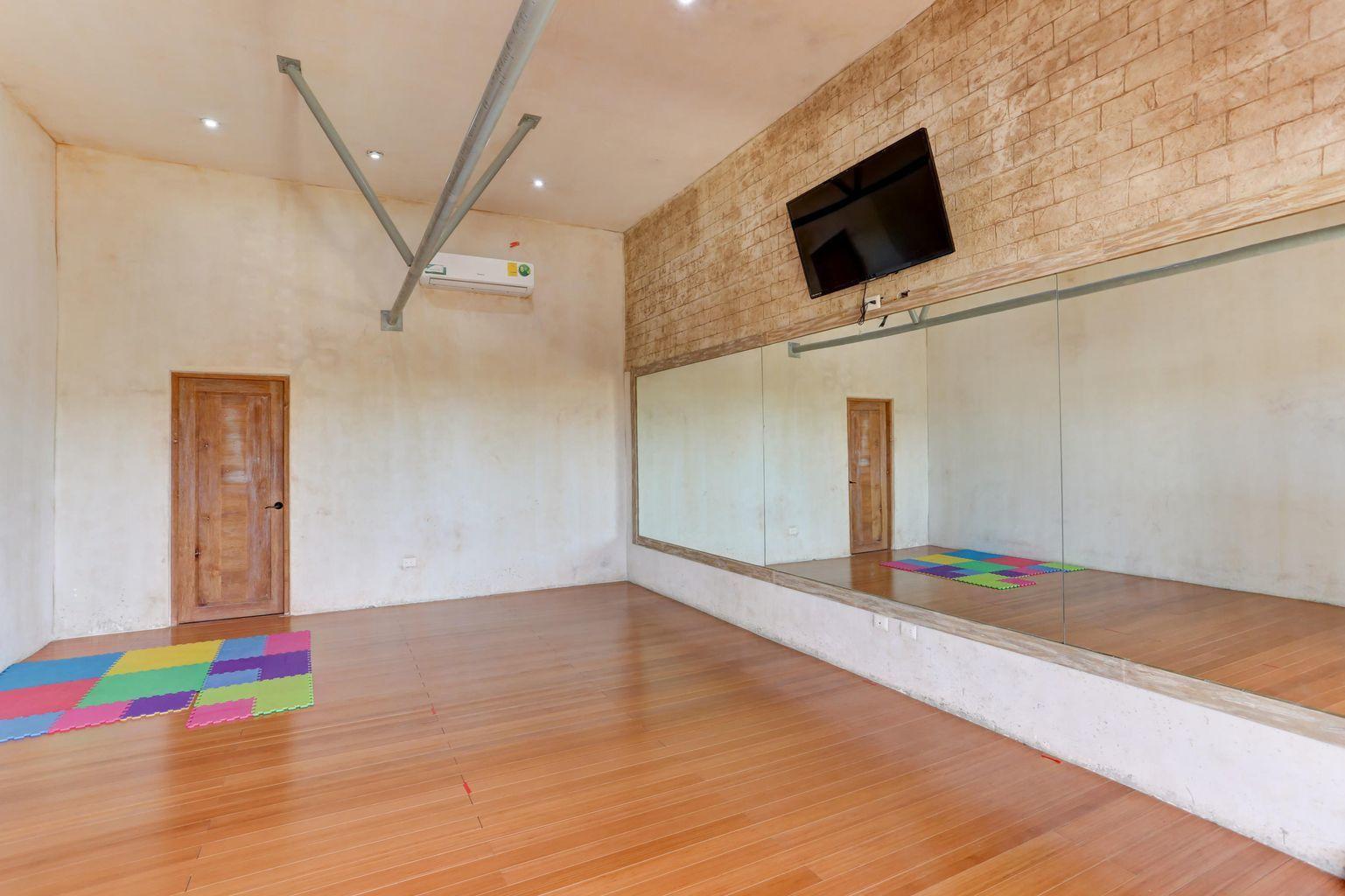 Ventanas 3-Gym area