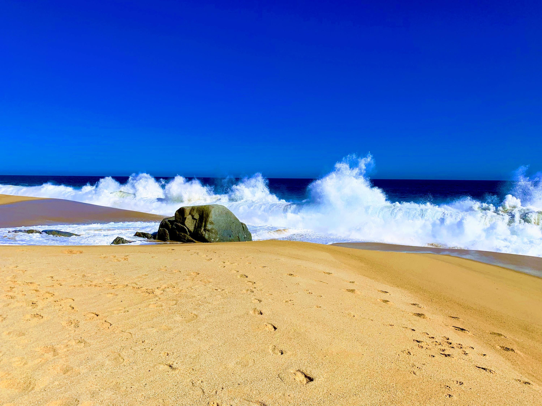 Pedregal Beach Waves